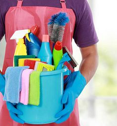 Professional cleaners have secrets that allow them to clean thoroughly and efficiently in very little time. You can use these tricks to clean your own home or to clean someone else's house, either professionally or as a favor. Cleaning Maid, Professional Cleaners, Amazon Home, Cleaning Business, Pet Sitting, Pre And Post, Car Wash, Housekeeping, Clean House