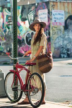Looooove the red bike!