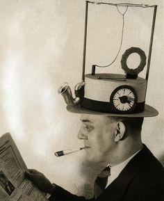 """Alten Erfindung """"Hut-Radio"""" Gramophone - - historische-Antik-Vintage B&W Reproduktion Photographie: Gicclee Print. Umrahmen!"""
