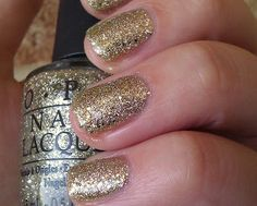 OPI, Spark de Triomphe from Serena Williams Glam Slam Collection France. Sparkle Nails, Glitter Nail Polish, Opi Nail Polish, Opi Nails, Manicure, Glitter Bath Bomb, Opi Nail Colors, Glam Slam, Party Nails