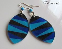 Boucles d'oreilles - Noir, bleu nuit et bleu ciel - Plastique dingue