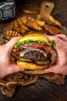 Burger Recipes, Beef Recipes, Cooking Recipes, Bourbon Burger Recipe, Cute Food, Yummy Food, Burger Night, Food Porn, Bistro Food