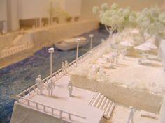 建築学会の設計競技にて渋谷川を対象地にランドスケープ・デザインの提案を行いました。 僕は、模型の制作ディレクションを担当しました。 2005.01 建築学会設計競技 模型制作 緑地や公共空間を創出する都市建築の原型 【水と緑の回廊】 渋谷駅東口。画面右の高速道路とビルの向こう側に渋谷川が流れています。 コンクリートで覆われた現状の渋谷川。建物も背を向けています。 渋谷駅東口付近から北は道路で塞がれ暗渠になります。 渋谷川の下流は古川と呼ばれ、浜松町付近では屋形船が係留されています。