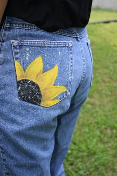 Upcycled Jeans // Hand Painted Sunflower Pocket // Summer, Festival, Casual, Boho // Size 8 - See-All Painted Shorts, Painted Jeans, Painted Clothes, Hand Painted, Diy Jeans, Recycle Jeans, Diy Clothing, Custom Clothes, Upcycled Clothing Thrift Store