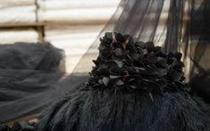 Spitze - Schwarz 3D Federn und Blumen Tüll Spitze - ein Designerstück von svetavol bei DaWanda Lace Evening Dresses, Tulle Lace, Designer, Cotton Fabric, Sequins, Etsy, Fabrics, 3d, Fashion
