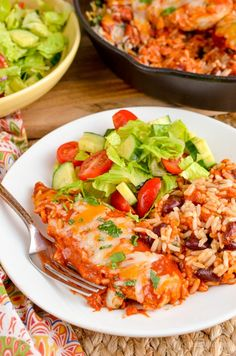 Slimming Eats - Slimming World Recipes Low Syn Spicy Mexican Chicken and Rice Bake Mexican Chicken And Rice, Mexican Chicken Recipes, Slimming Eats, Slimming World Recipes, Enchilada Sauce, Diet Recipes, Cooking Recipes, Healthy Recipes, Recipies