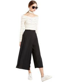 Wide Leg Pant With Pleat Detail