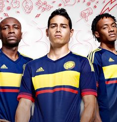 James, Cuadrado y Armero mostrando la camiseta visitante de Colombia para Copa America 2015