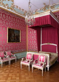 Wilhelmsthal rococo castle. The bedroom for the guests.