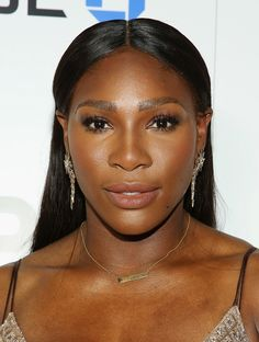 Serena Williams Long Straight Cut - Serena Williams sported a center-parted…
