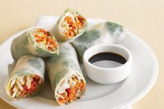 Start off your Asian-inspired feast with these mushroom rice paper rolls. Rice Rolls, Rice Paper Rolls, Rice Paper Recipes, Mushroom Rice, Vegetable Rice, Sweet Chilli Sauce, Asian Recipes, Ethnic Recipes, Healthy Pastas