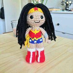 Wonder Woman -Amigurumi(Clare Heesh)