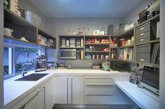 Kitchen Colors: 60 Ideas, Tips and Combinations - Home Fashion Trend Kitchen Cupboard Doors, Barn Kitchen, Prep Kitchen, Kitchen Redo, Kitchen Pantry, Kitchen Storage, Kitchen Cabinets, Kitchen Ideas, Pantry Design