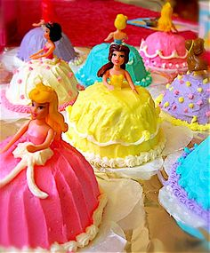 Mini princess cakes
