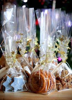 Homemade Christmas Edible Gifts - Fudge Cookies and Flapjacks - Click pic for 25 DIY Christmas Gifts