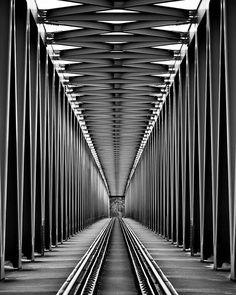 Photography ~ Railroad Bridge By Gabor Jonas Ran: the lines all lead to . - Photography~Railroad Bridge By Gabor Jonas Ran: de lijnen leiden allemaal naar … Photography ~ -