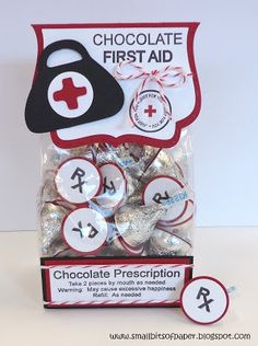 Chocolate Kisses First Aid Kit - cute idea for someone who needs a pick me up Funny Valentine, Valentines Diy, Valentine Day Gifts, Christmas Gifts, Nurses Week Gifts, Gifts For Coworkers, Nurse Gifts, Teacher Gifts, Stampin Up