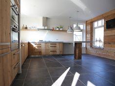www.nice-id.nl. Oud eiken keuken met betonblad