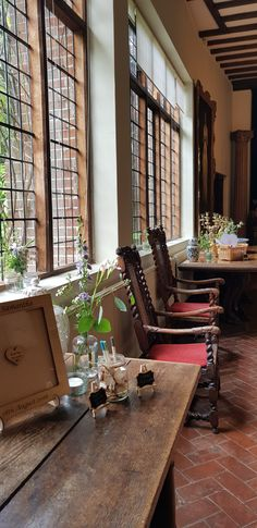 Wedding Flowers, Conference Room, Furniture, Home Decor, Decoration Home, Room Decor, Home Furnishings, Home Interior Design, Home Decoration