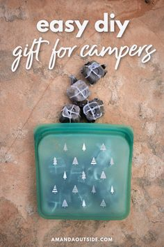 Need some awesome camping gifts? These DIY fire starters are so easy to make at home and they really work! They're perfect for car camping trips. Best of all, they're made with things you probably already have in the house! Read on for a complete step-by-step video tutorial. Package them in a cute reusable bag for two gifts in one. Let's get started. #giftguide #camping #diy Camping Menu, Camping Gifts, Camping Recipes, Camping Ideas, Camping Hacks, Gifts For Campers, Backpacking Gear, Fire Starters, Camping Essentials
