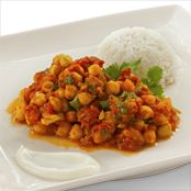 So delicisous and easy to whip up, freezes well too. Tomato Curry, Chana Masala, Free Food, Yummy Treats, Frozen, Menu, Tasty, Dinner