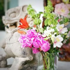 Puede uno enamorarse de una flor??? No le cuenten a mi marido pero amo las peonías!!! A tal punto de estar desarmando el evento y seguir sacando fotos!! !! #amolasflores #peonias #flores  #flores #ambientacion #arreglosflorales