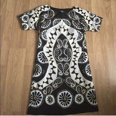 Donna Karan Runway 2 Hawaiin fashion show dress has pockets embroidered worn once will trade DKNY Dresses