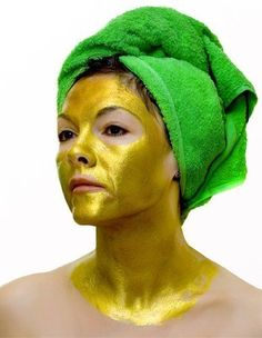 This Luxurious 24K Gold Face Mask is for Anti-Aging Purposes #antiaging trendhunter.com