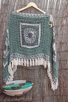 Summer Knitting Models, We have prepared for you very beautiful knitting models. There are 22 beautiful summer knitting patterns. Poncho Crochet, Crochet Bolero, Pull Crochet, Mode Crochet, Crochet Diy, Crochet Shawls And Wraps, Crochet Scarves, Crochet Crafts, Crochet Clothes