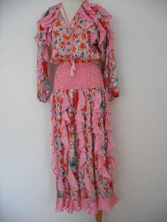 80s Diane Freis pink floral ruffled dress, panel inserts in full skirt, gathered elastic waistband.via Etsy.