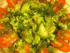 Przepis: Sałata z sosem koperkowym