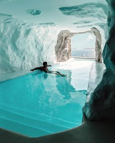 The Cave Suite in Mykonos Cavo Tagoo resort features an indoor/outdoor pool. Hotel Swimming Pool, Indoor Swimming Pools, Swimming Pool Designs, Hotel Pool, Lap Pools, Backyard Pools, Pool Decks, Pool Landscaping, Hotel Lounge