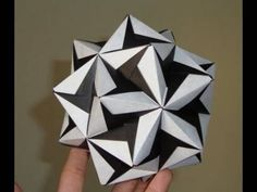 Tutorial Origami Ball / Kusudama (Sonobe Variation) Instructions aren't the clearest for the assembly, but very cool result if you figure it out.