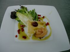 Salad with Spicy bread, Salmon and Mustard Vinagrette