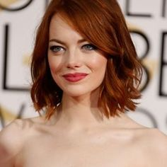 Beautiful Emma Stone With Golden Hair × Round Face Haircuts, Trendy Haircuts, Cabelo Emma Stone, Emma Stone Red Hair, Emma Stone Haircut, Twist Hairstyles, Cool Hairstyles, Hairstyles 2018, Black Hairstyles