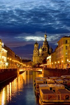 St Petersburg, Russia // 13 Fascinating Places Spiced Up with Amazing Architecture