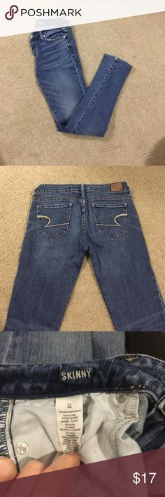 End of summer sale! American Eagle skinny jeans Medium wash American Eagle skinny jeans. Stretchy and very comfortable. No damage, just too big for me now. I would say these fit closer to a size 4. American Eagle Outfitters Jeans Skinny