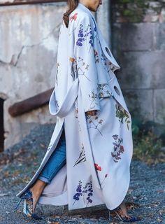Love it. | Long Kimono Outfit, Long Coat Outfit, Floral Kimono Outfit, Kimono Style Dress, Floral Jacket, Floral Denim, Kimono Fashion, Flower Fashion, Fashion Coat