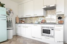 4 styling tips voor de keuken in een huurwoning met handige diy's Home Kitchens, Sweet Home, Kitchen Cabinets, New Homes, Diys, Design, Inspiration, Madrid, Home Decor