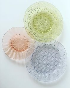 Szkło prasowane Cora,flora,kratka Flora, Plates, Tableware, Instagram, Design, Licence Plates, Dishes, Dinnerware, Griddles