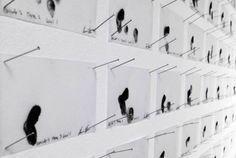 Эван Рот - художник, применяющий хакерскую философию к художественной практике, визуализируя переходные моменты в общественном пространстве. Несколько его работ на постоянной основе находятся в музее современного искусства в Нью-Йорке, а в 2012 году был награжден премией Smithsonian Cooper-Hewitt National Design Award. Все уровни Angry Birds для этого творца современного искусства являются частью большой работы, в которой он исследует и представляет мультитач-жесты в физической форме.