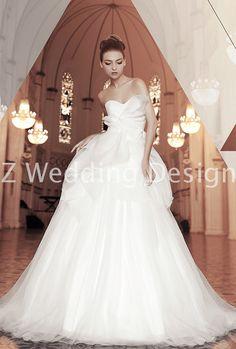 ZWEDDING Origami | #zwedding #designergowns #designers #fashion #couture #wedding #bridalgowns #bridal #zweddingsg #zweddingsingapore #singapore #weddinggowns #gowns #weddingdress
