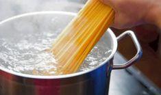 5 Ιδέες για να μαγειρέψεις σήμερα! | ediva.gr Marinara Sauce, Tomato Sauce, Fried Calamari, Pasta Shapes, Bolognese, Greek Recipes, How To Cook Pasta, Summer Recipes, Home