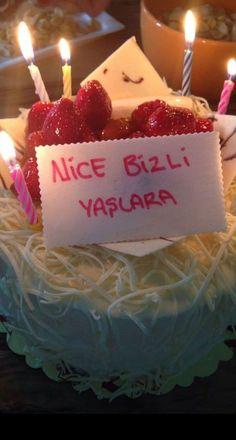Happy Birthday Meme, Birthday Cake, Cake Story, Cookies And Cream Cake, Homemade Dressing, Story Instagram, Boyfriend Anniversary Gifts, Fake Food, Kids Meals
