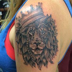Had the honor of tattooing @beeeetthh to keep the memory of her loved one alive.. Much mahalos for letting me tattoo you #rasta #lion #mix #crown #leo #realism #wip #tat #tattoo #thankyou #tattoohawaii #tattooinstagram #ink #inked#instagramhawaii #oahu #oahutattoo #polynesiantattoofactory #art #aloha #artist #design #hawaii #haleiwa #hawaiitattoo #custom #northshore