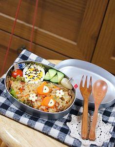 今日のオベントウ♬ 焼き飯弁当!! 【おかず】 *ゆで卵 *プチトマト *きゅうりスティック *母特製らっきょ - 25件のもぐもぐ - 焼き飯弁当!! by harunameiHrc