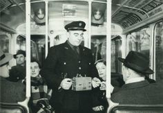 Dans l'autobus à Paris, 1940 https://www.facebook.com/parisdantan?ref=ts&fref=ts