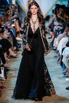 Elie Saab Fall 2017 Couture Fashion Show - Alexandra Binaris  Be featured in Model Citizen App, Magazine and Blog.  www.modelcitizenapp.com