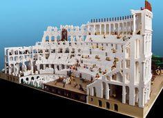 20.000 bloques uso Ryan McNaught para construir el coliseo.