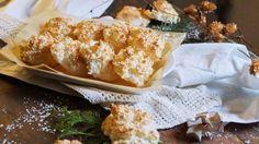 Kokos Makronen #ichbacksmir #adventskaffee Sisters, Bread, Kitchen, Food, Easy Coconut Macaroons, Credenzas, Love, Food Food, Bakken